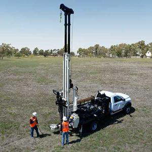 150GT geotechnical drilling rig under class A/B CDL handles 10-foot tooling