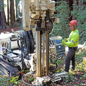 7822DT versatility makes it ideal for an array of environmental drilling
